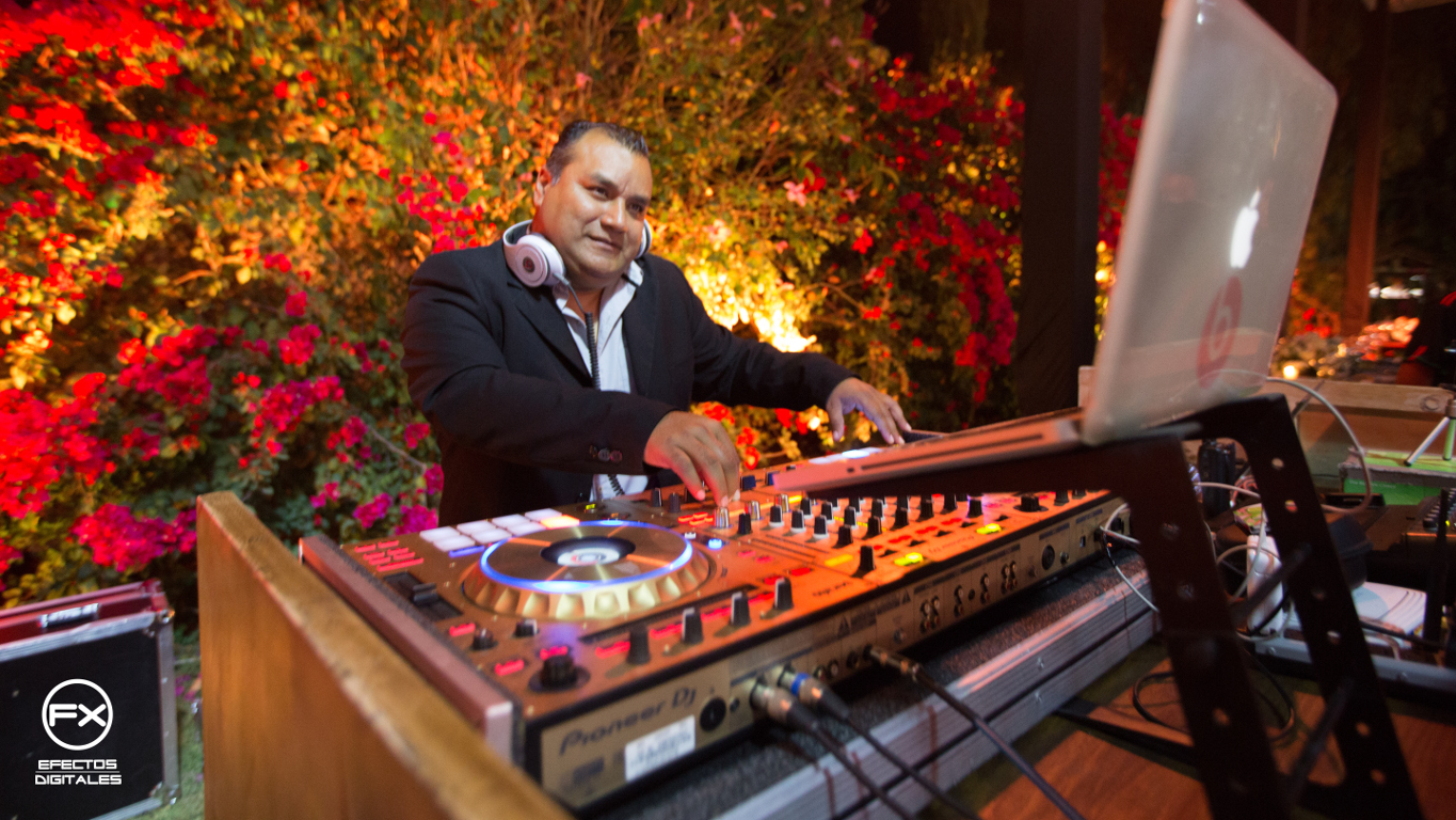 We have the most renowned DJ's with an extensive background and musical knowledge